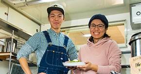 子どもたちの居場所を作りたい!キッチンカーで独立・開業した夢を追うお好み焼き店