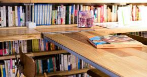 クラウドファンディングに成功した「森の図書室」の図書委員長が、夢を実現するまで