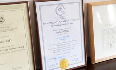 ヨガ指導者としての資格「Teacher of Yoga」の証明書の写真
