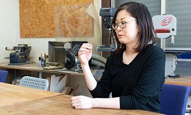 独立・開業について語る工作室アルタイルの佐々木のぞみさんの写真