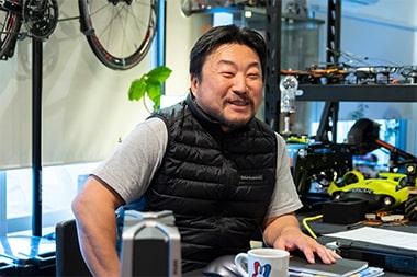 3DSurveyplus合同会社の仕事内容について語る堂城川厚さんの写真