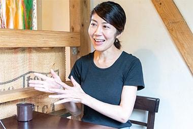 出店の理由を説明する島田孝子さんの写真