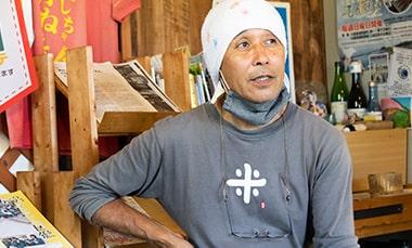 開業の準備や集客・販売方法について語る「おにぎり工房かっつぁん」の店主坂本勝彦さんの写真
