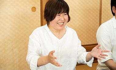東京から真鶴町へ移住して起業した理由を語る中村道子さんの写真